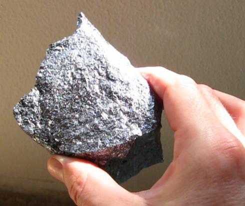 אבן החייזרים – התפתחויותוהבהרות