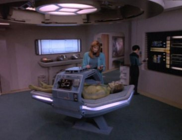 Galaxyclass_surgicalbed